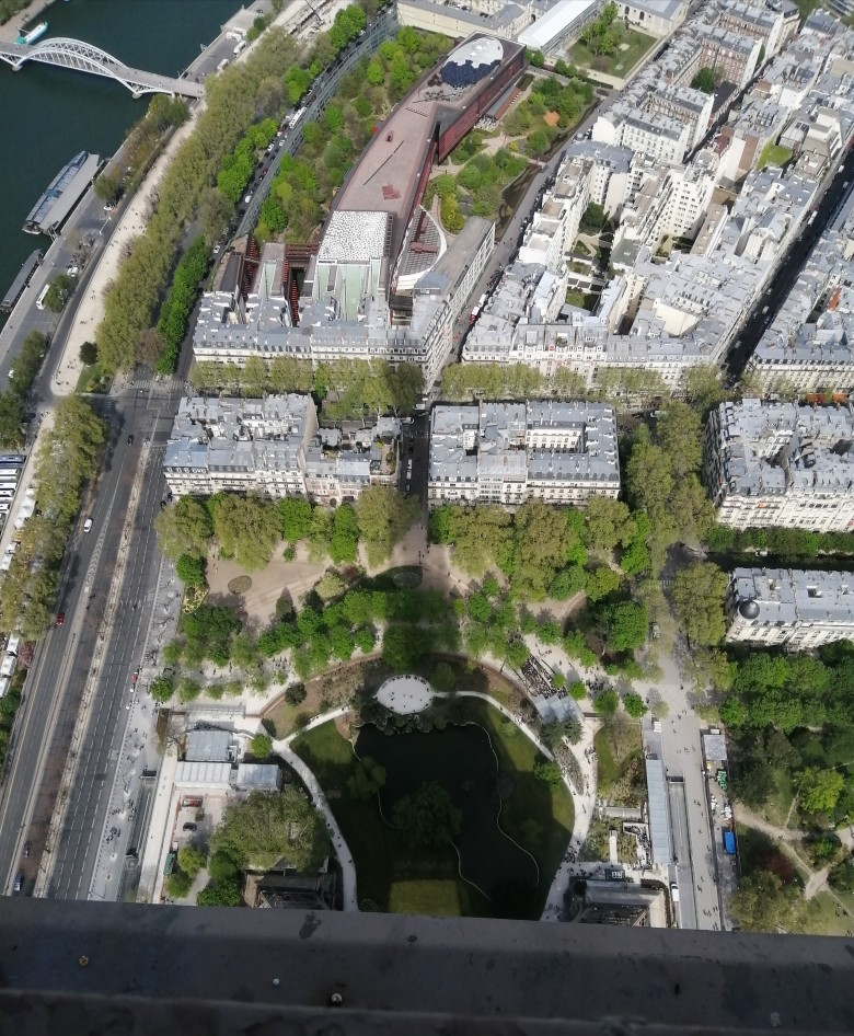 on-the-top-of-paris-bcf19c0389f85622a982