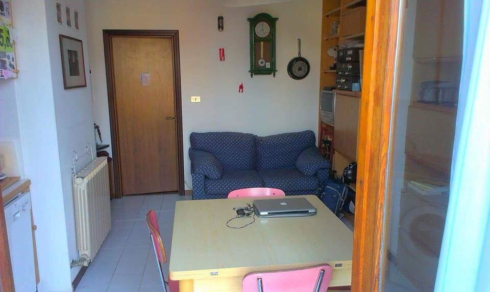 Merveilleux ... One Bedroom Apartment With Bathroom, Balcony And Large Living Ro ...