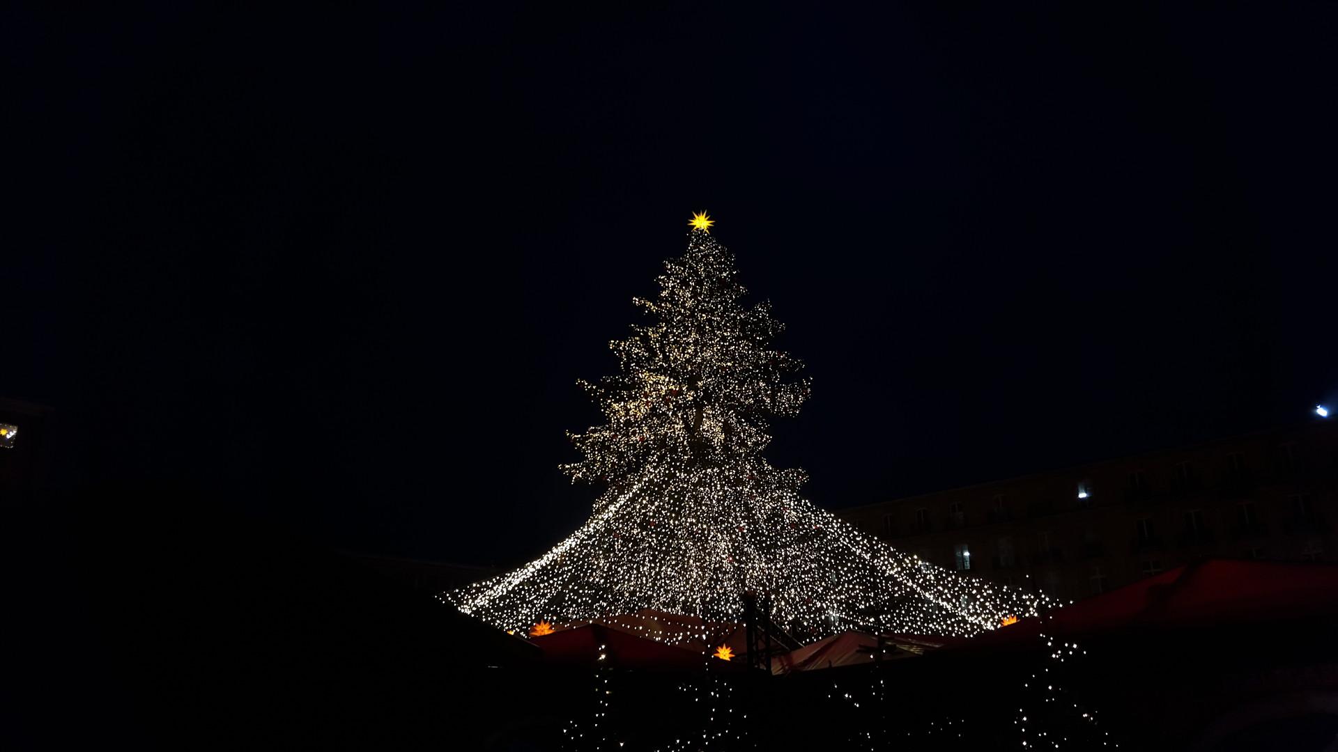 Cologne And Its Effortlessly Cool Christmas Market Erasmus Blog Cologne Germany