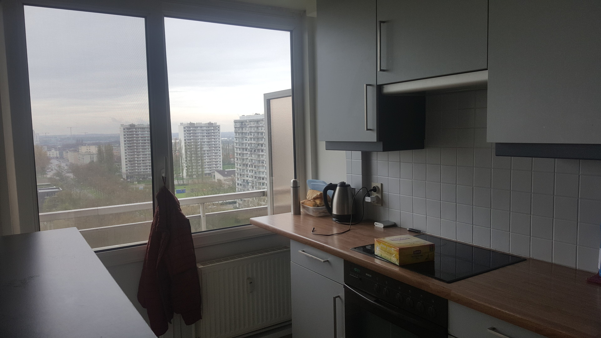 one-student-room-good-appartment-c9bdef9dca5491474d1ba9433eec5863