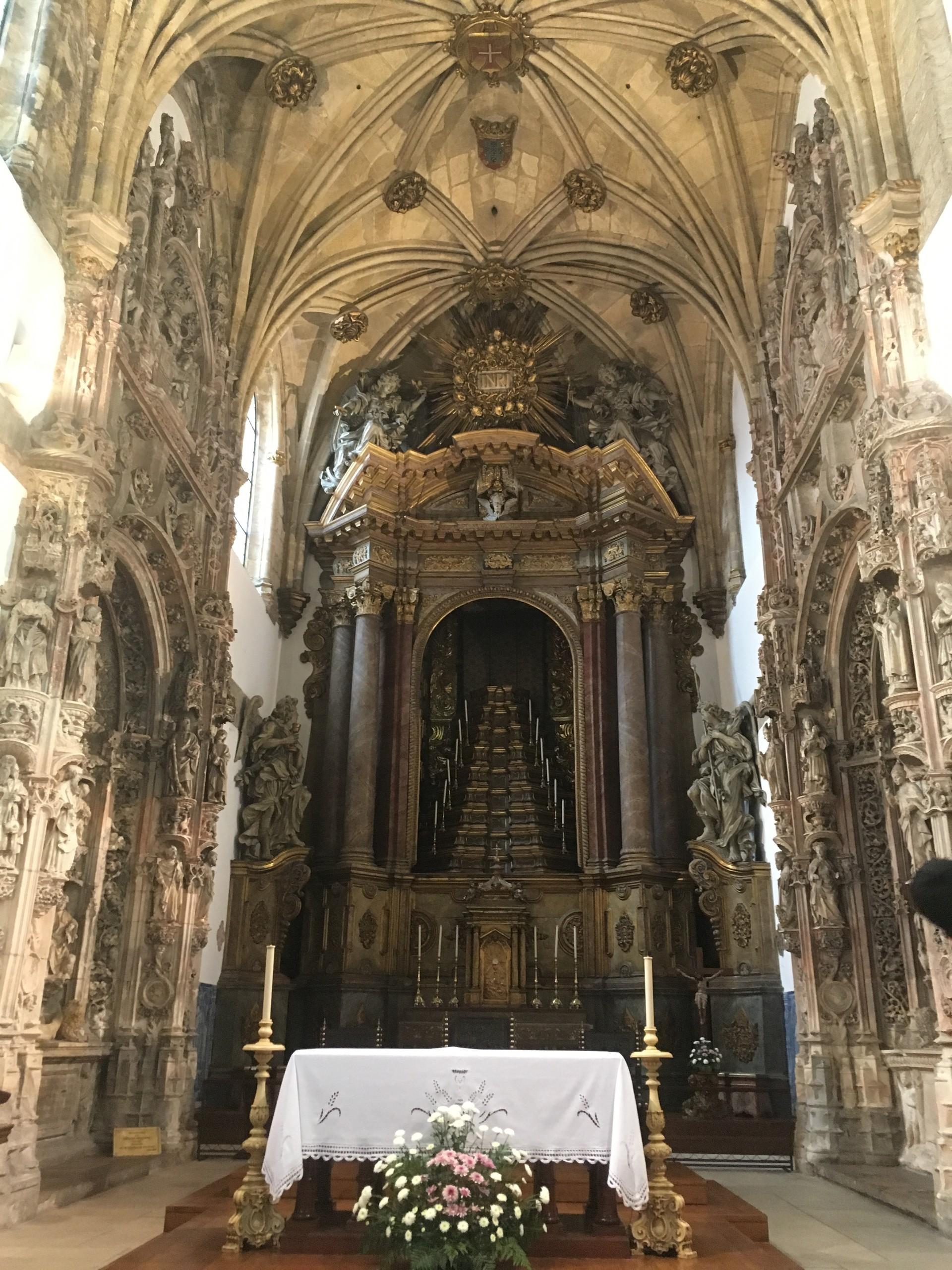 one-stunning-churches-d5920c61ae840ee3ea