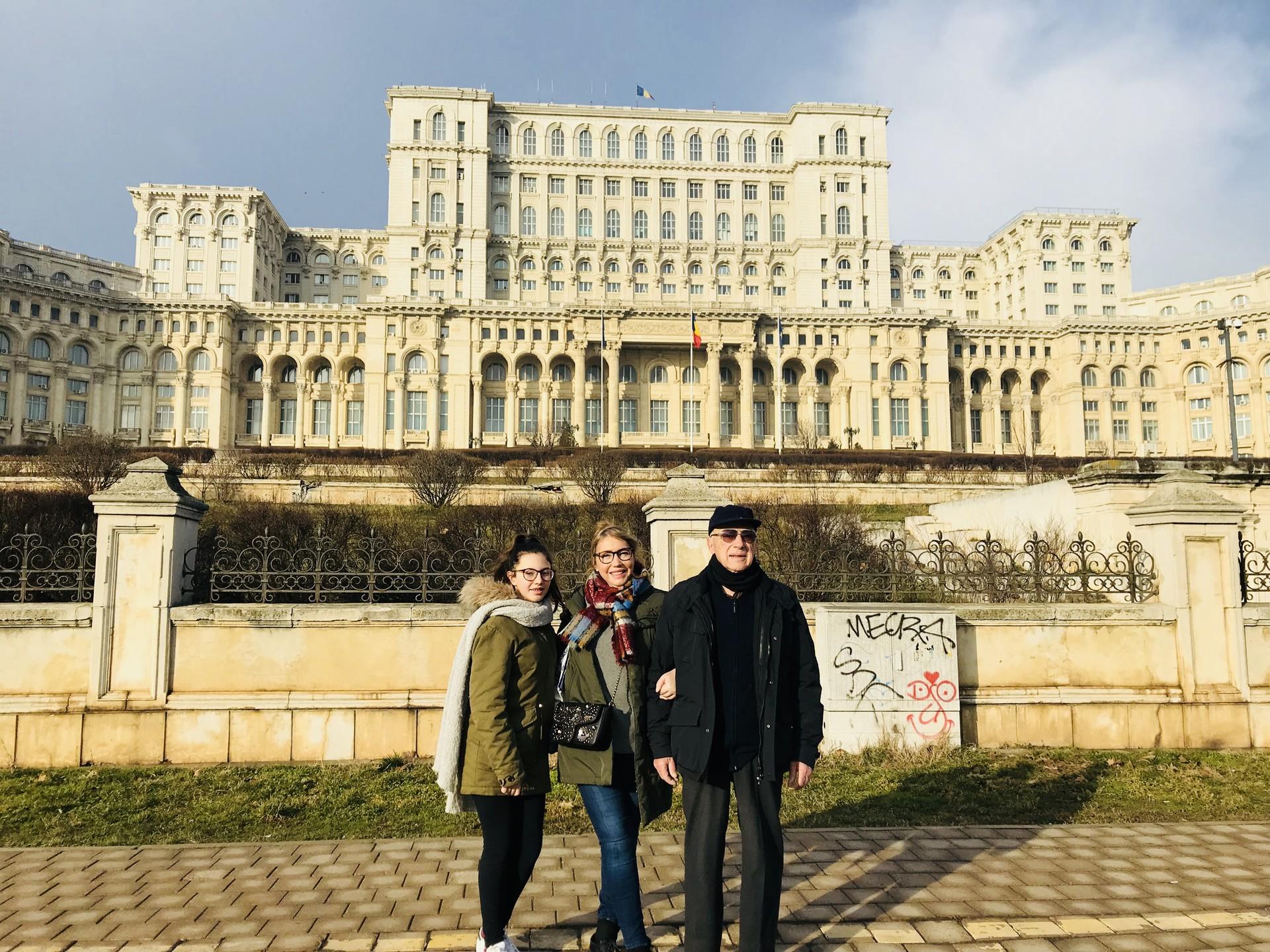 palazzo-parlamento-bucarest-5c385e1566ae