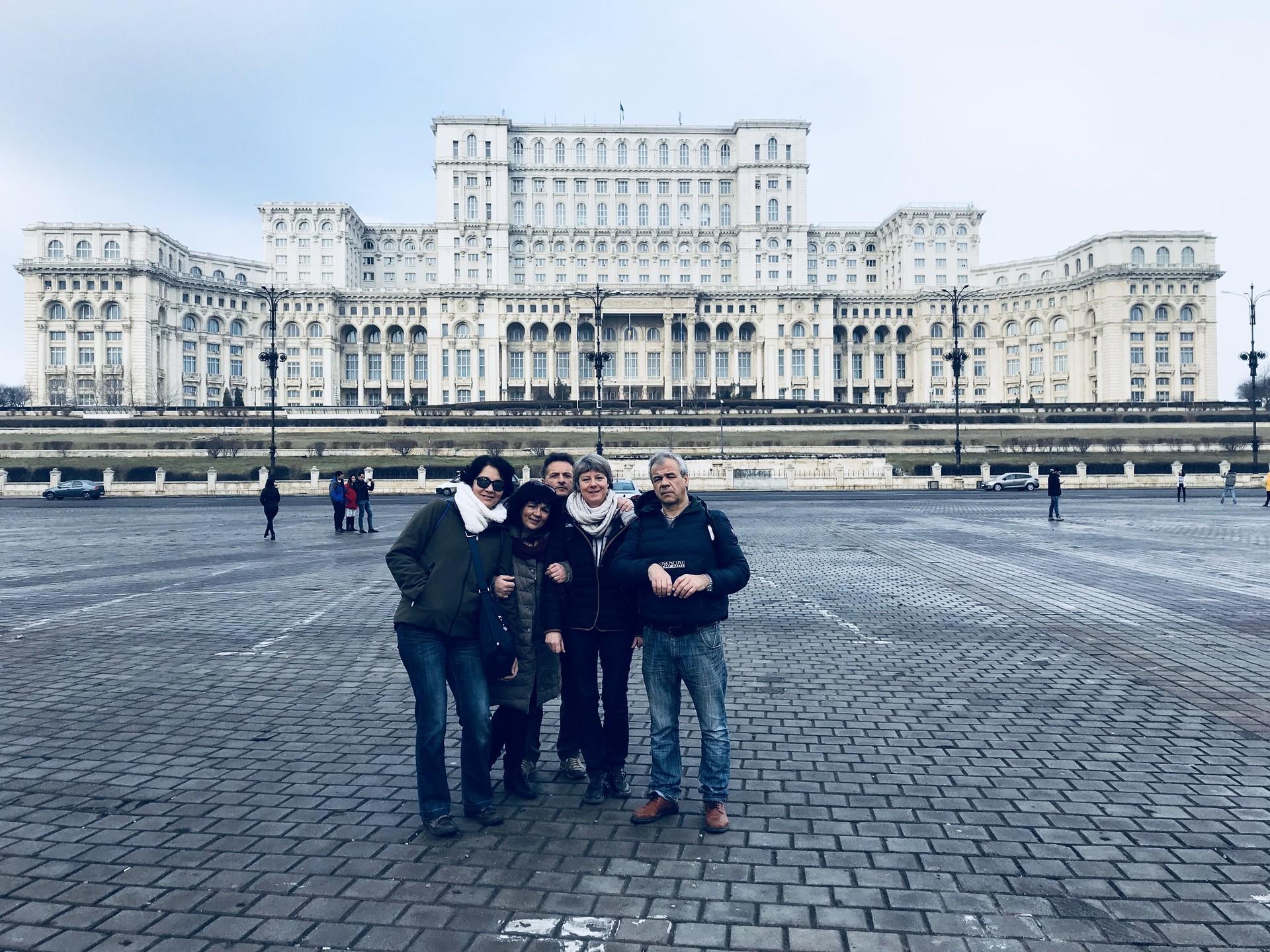 palazzo-parlamento-bucarest-8de185300b92