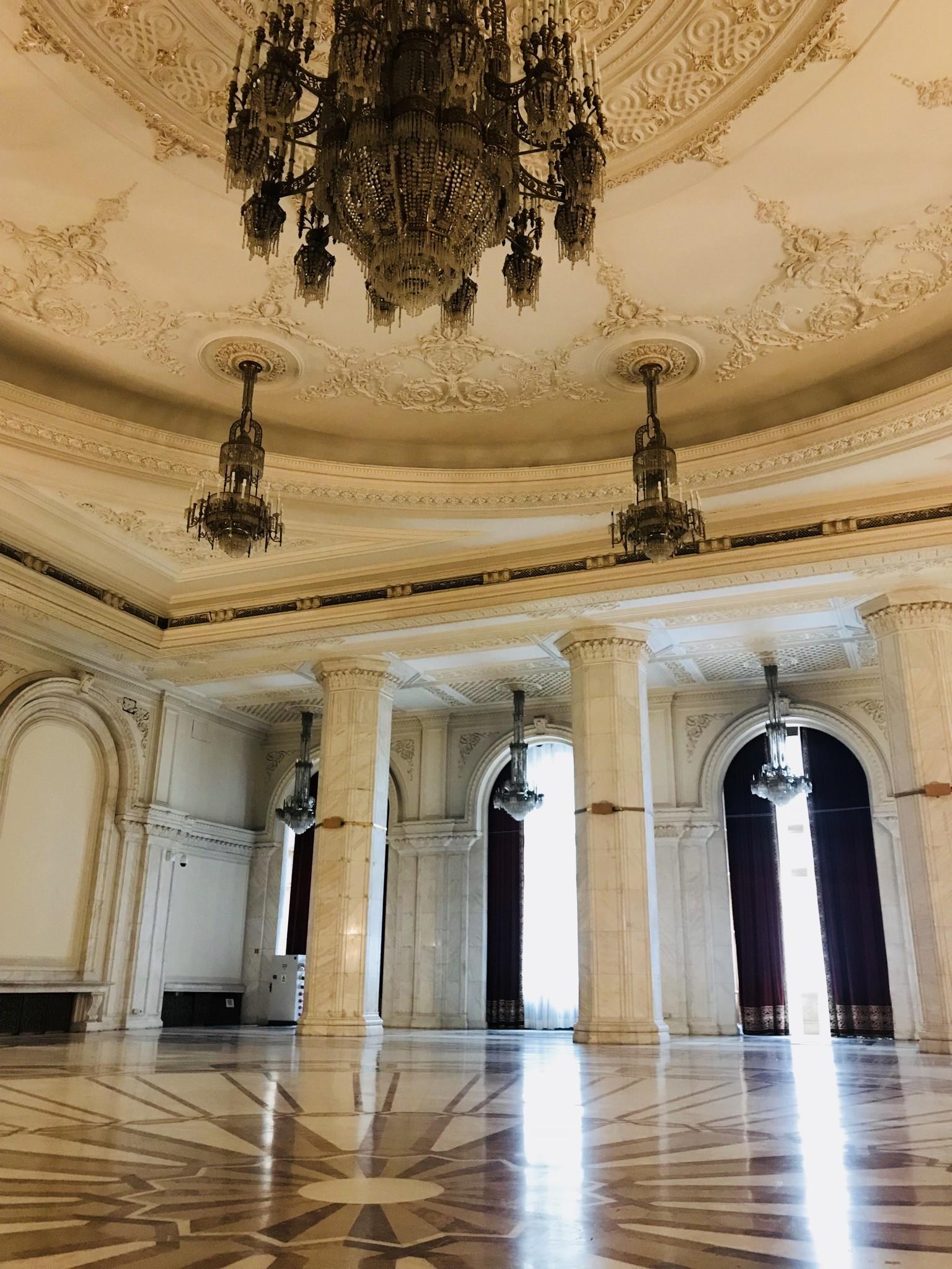 palazzo-parlamento-bucarest-989d588aa017