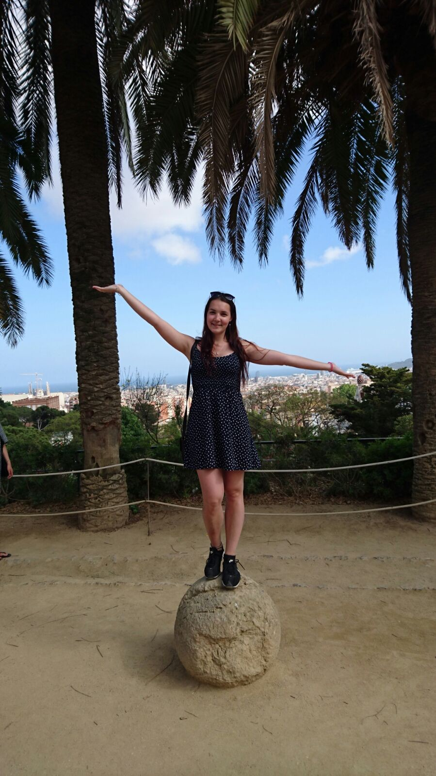 paradise-barcelona-a992ec7d4f118f2488962