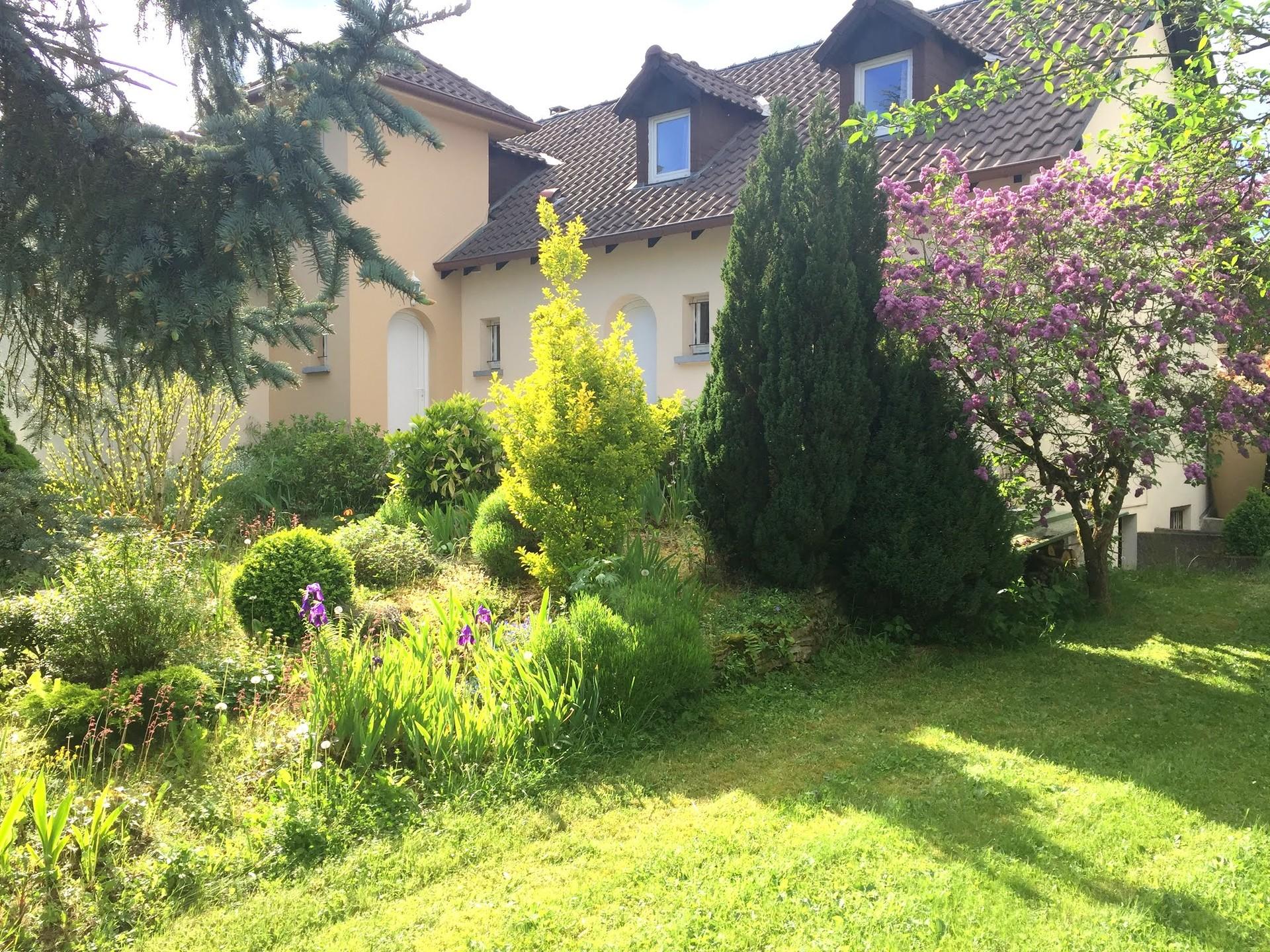 Particulier loue f3 meubl boust dans maison jardin - Location materiel jardin entre particulier ...