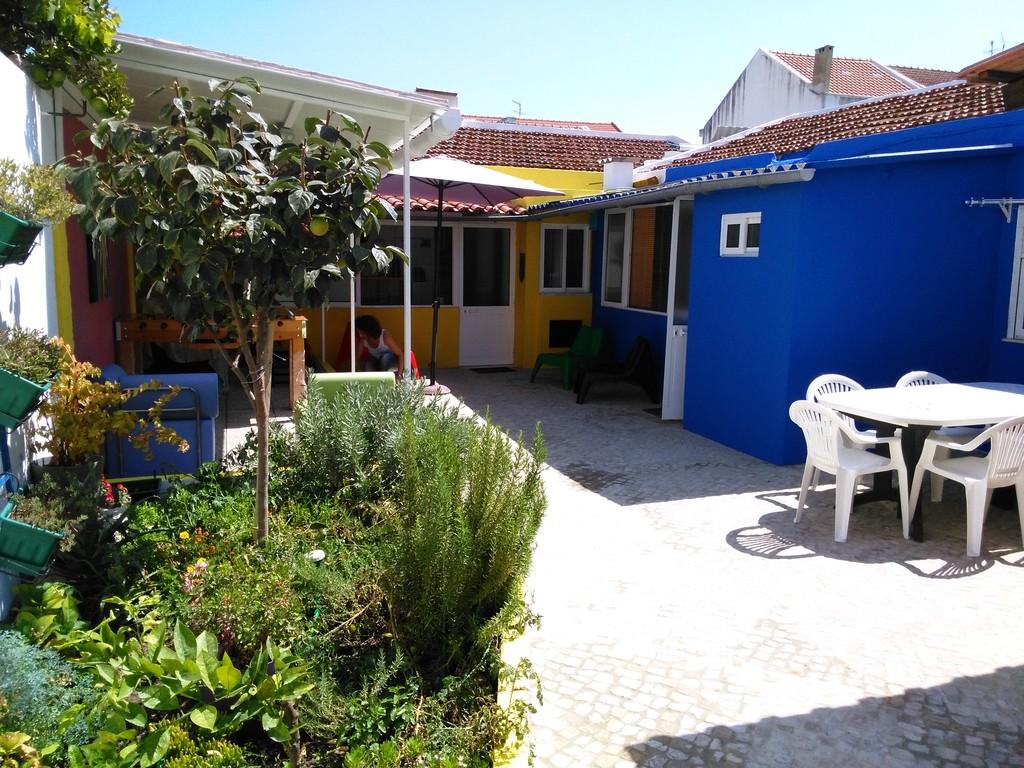 Patio Do Sol E Um Conjunto De 4 Casas Com A Capacidade De 9 Pax