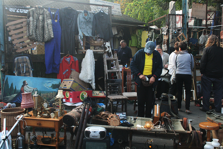 Pchli targ niedaleko centrum