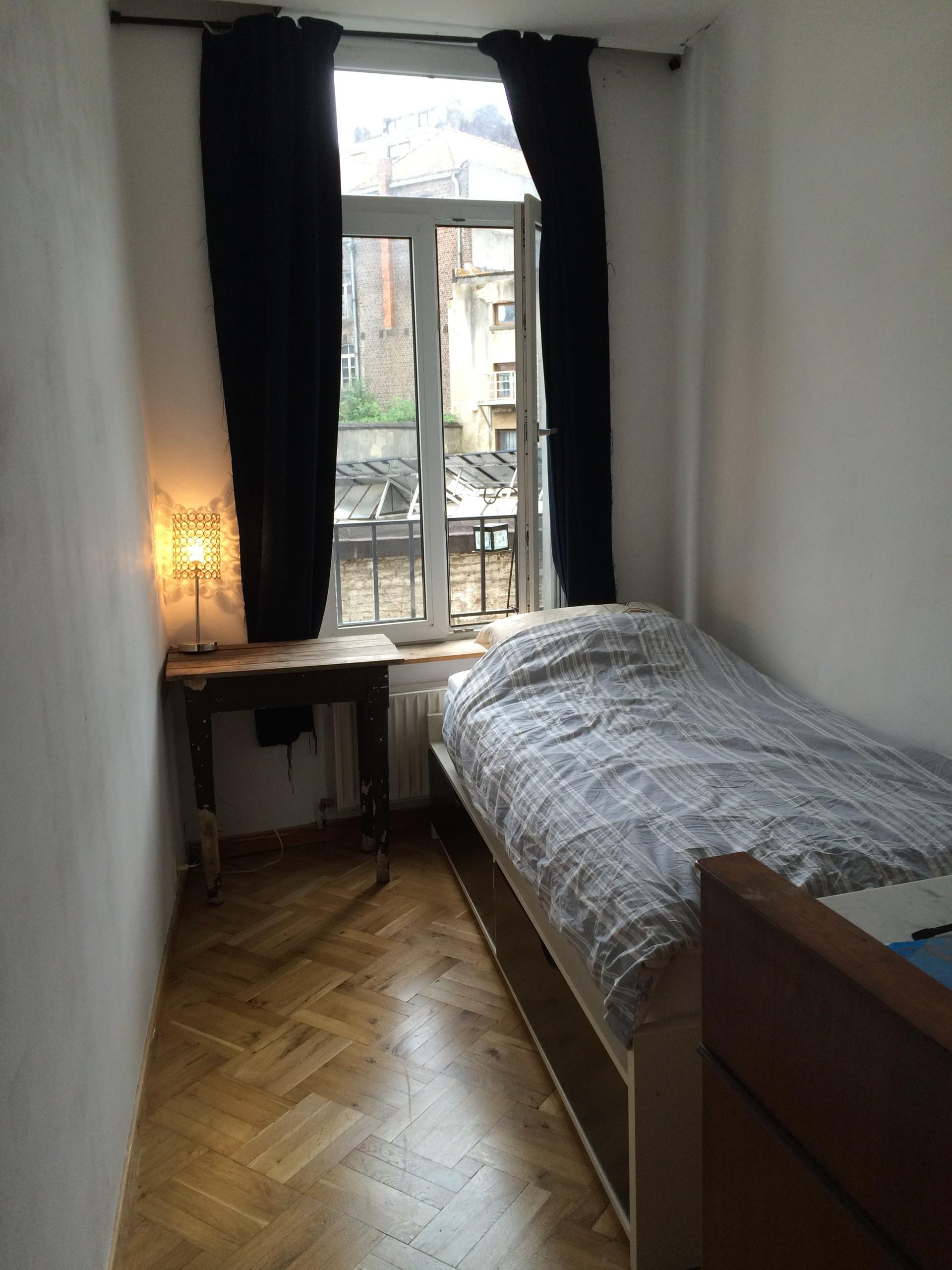 Petite chambre  louer  Saint Gilles Room to rent