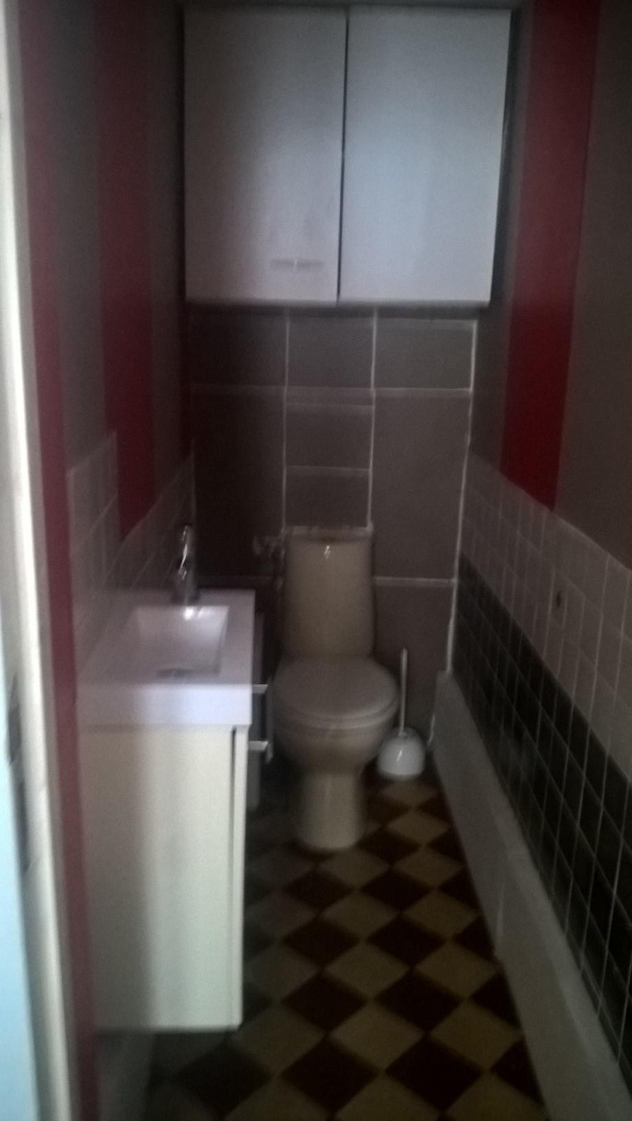 Petite Chambre Au Rez De Chaussée Avec Douche Et Toilettes