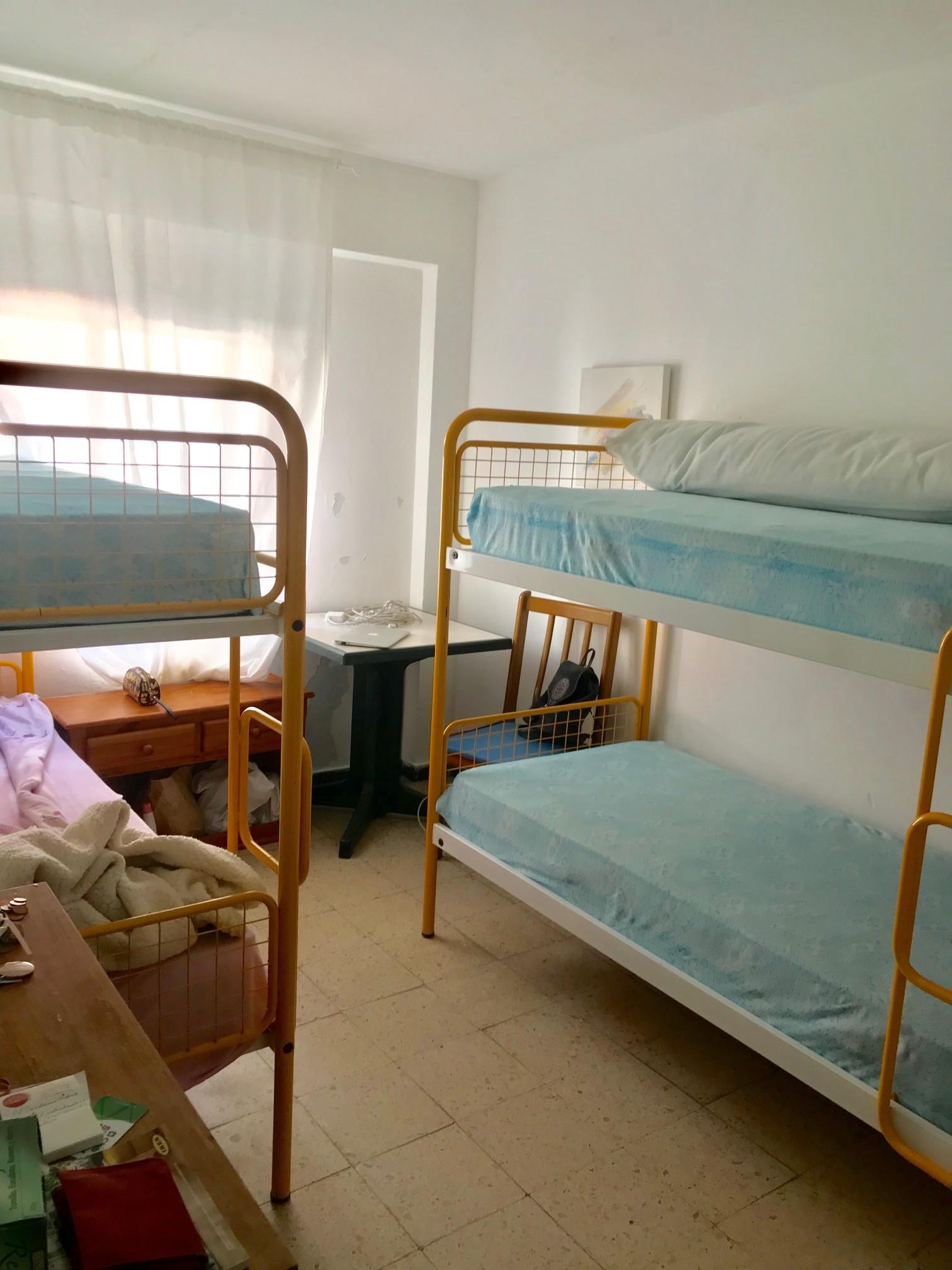 Pineda, camas en residencia estudiantes