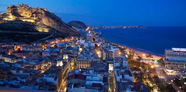 Live in the heart of alicante in the best designed - Centro de negocios en alicante ...