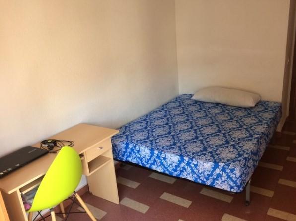 Piso de 4 dormitorios para chicas