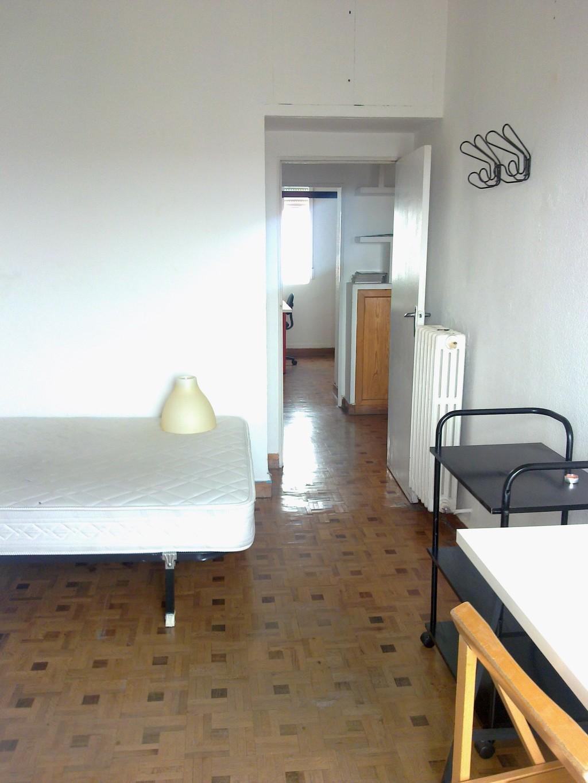 Piso 7 exterior con tres dormitorios en la calle toledo for Piso 5 habitaciones madrid alquiler