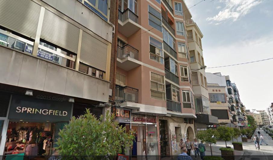 piso-alquiler-pleno-centro-calle-carreteria-08f1d8adc4f7630111d67a9cf5f45e27