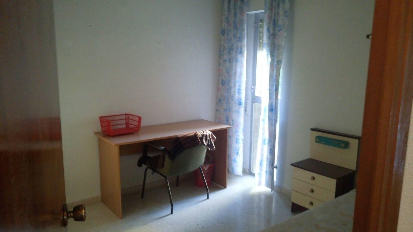 piso-amplio-cerca-universidad-corte-ingles-400f0005163e0c12daea12e619b2452b