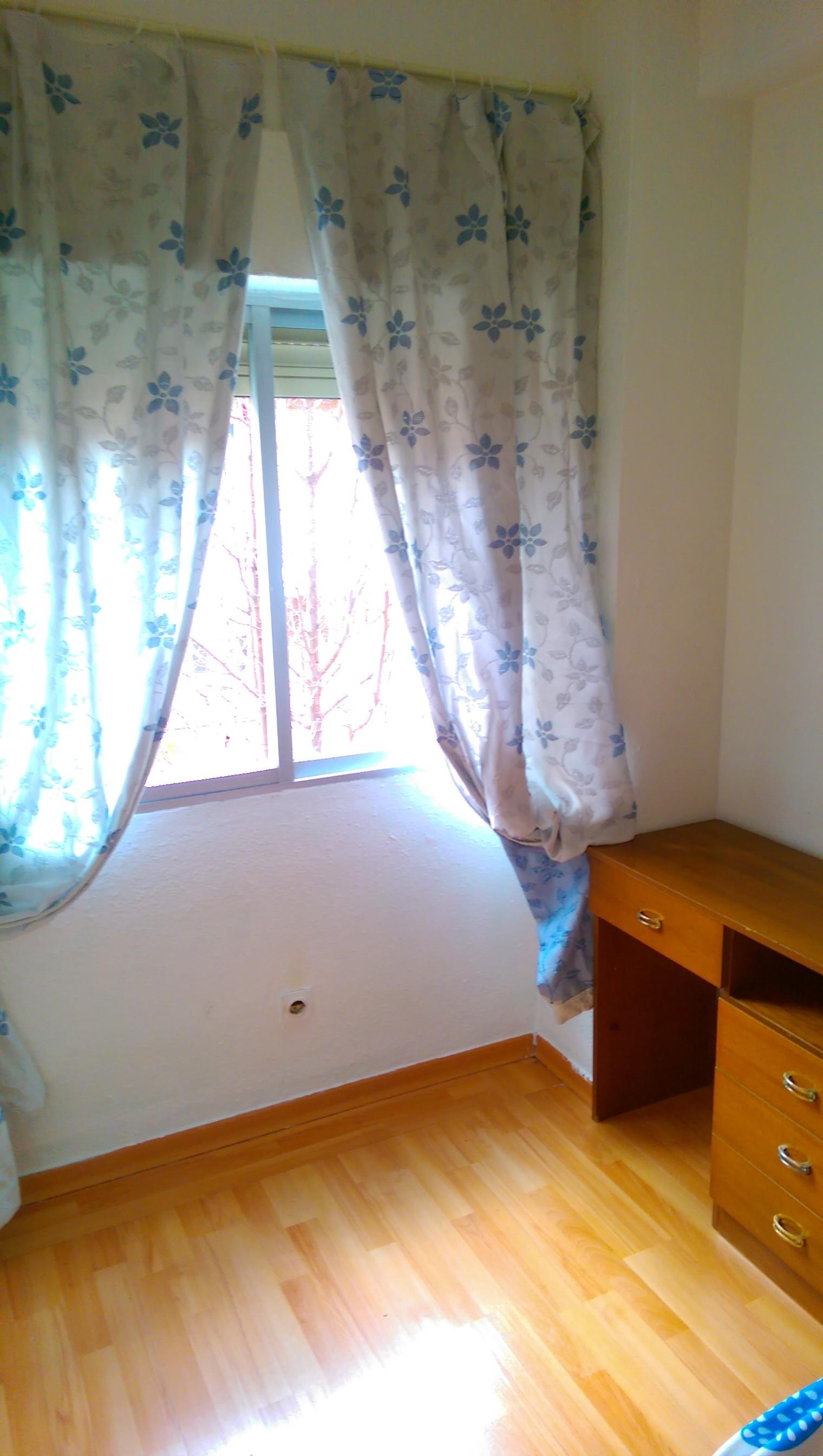 Piso amplio y luminoso de 3 habitaciones alquiler pisos for Piso 3 habitaciones madrid