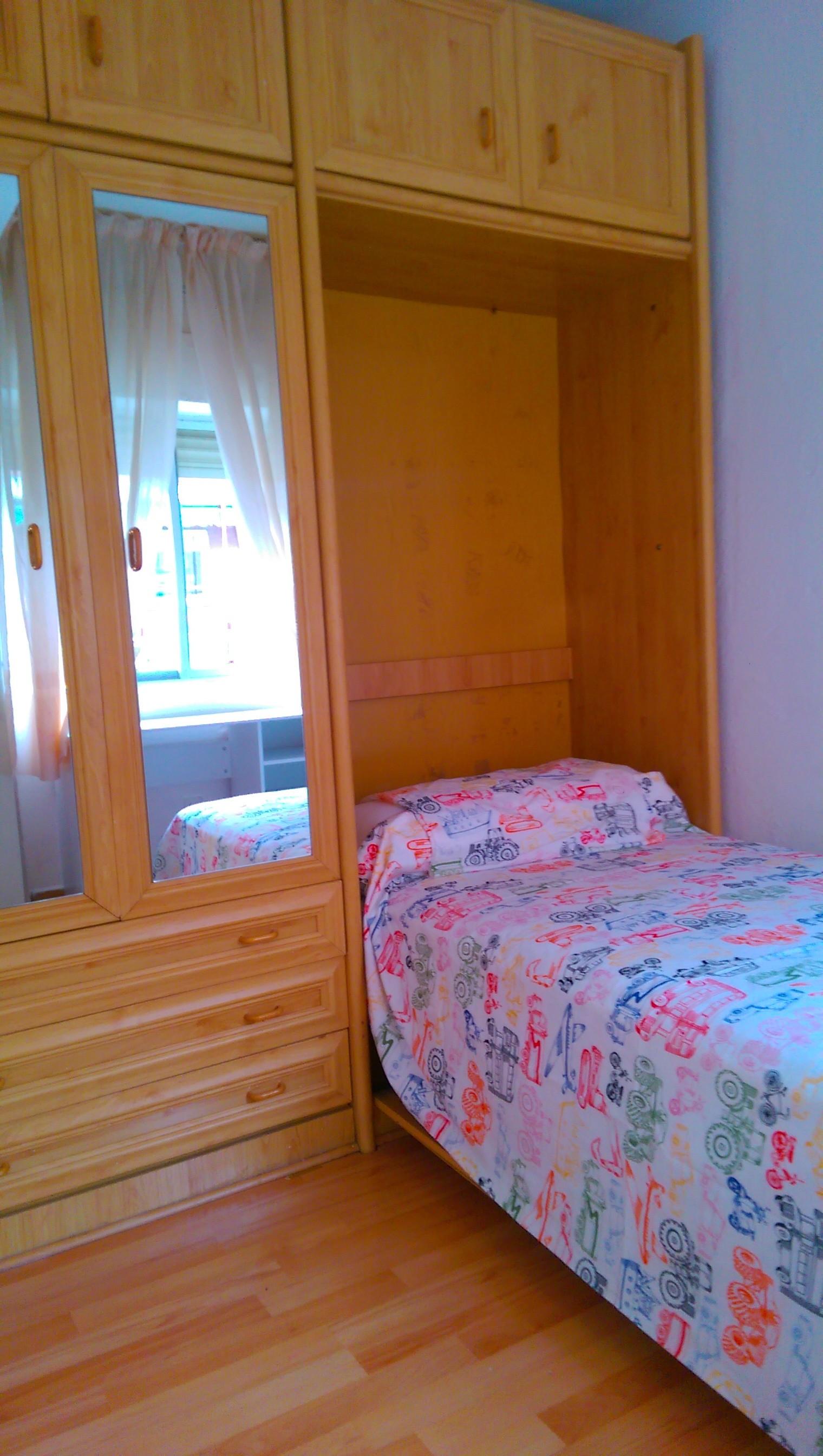 Piso amplio y luminoso de 3 habitaciones alquiler pisos for Piso 5 habitaciones madrid alquiler