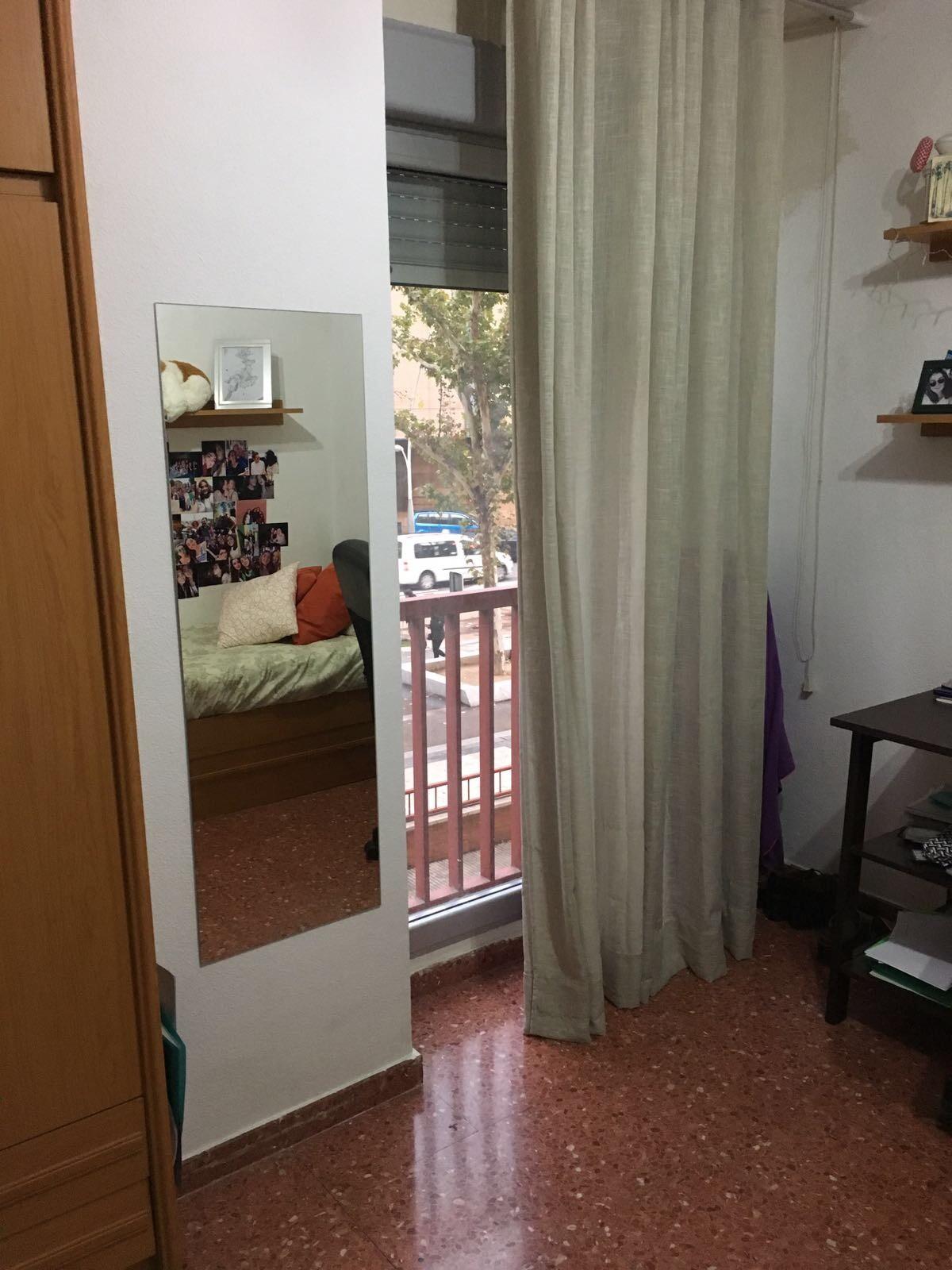 Piso amplio y soleado en la zona actur de zaragoza for Pisos 1 habitacion zaragoza