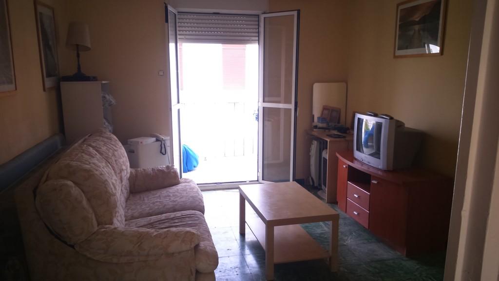 Hab piso amplio y soleado exterior luminoso 3 for Piso 1 habitacion sevilla