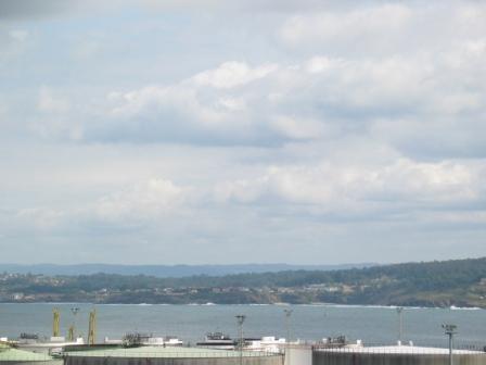 Amplio piso amueblado con vistas al mar alquiler pisos for Pisos con vistas al mar