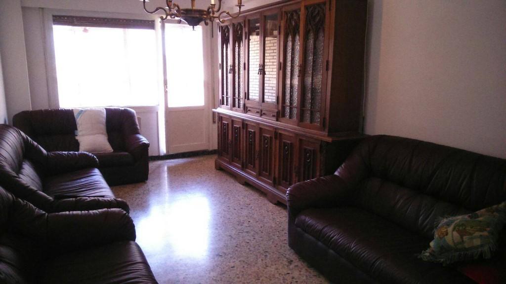 Estupendo piso en el centro de zaragoza alquiler pisos for Piso kasan zaragoza