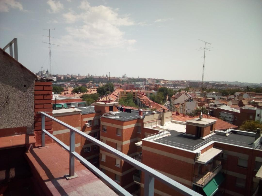 Piso cerca Principe Pío y Madrid Río . Línea Gris metro