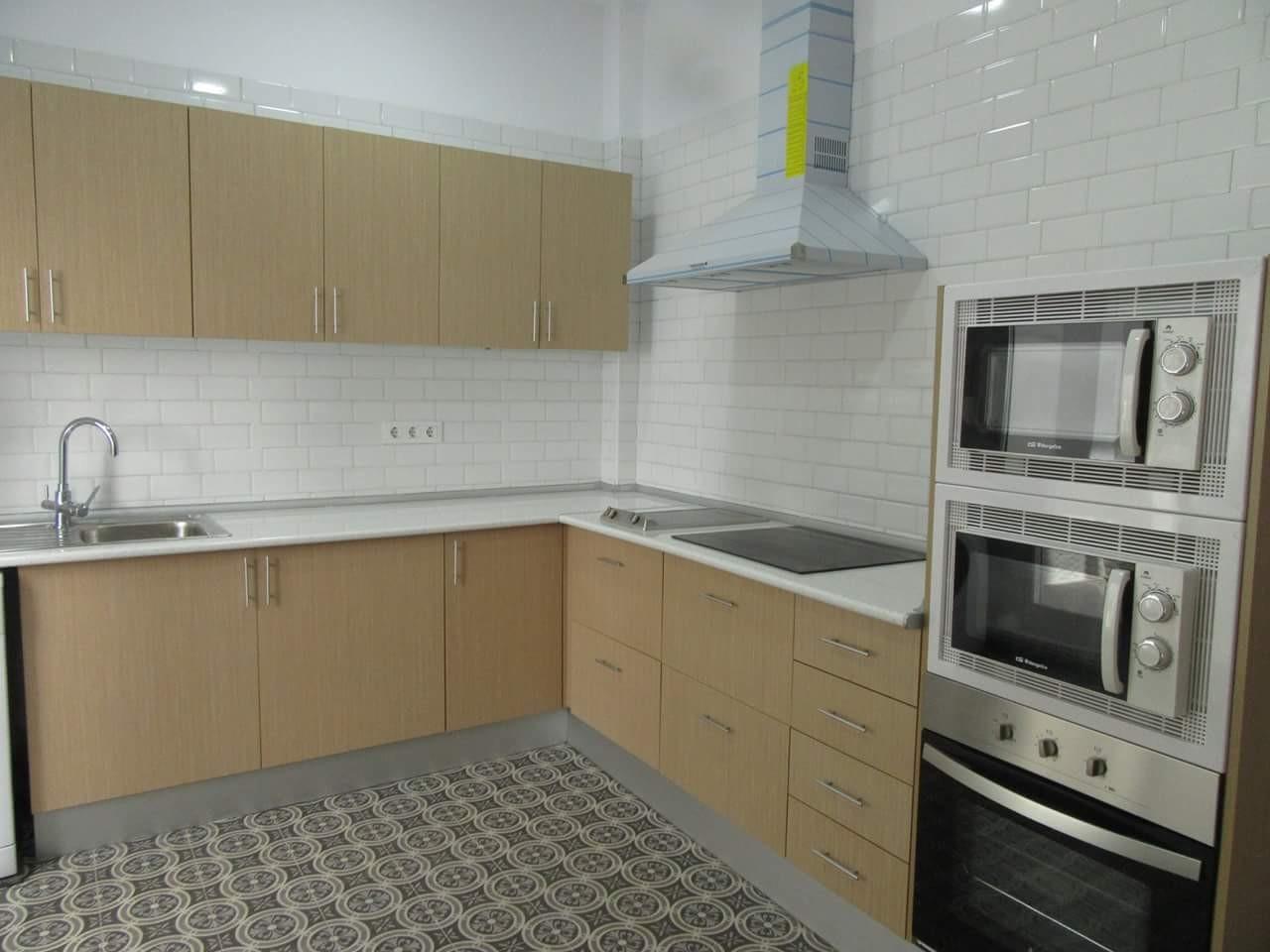 Dormitorio en piso compartido en cartagena centro ciudad for Alquiler de habitacion en piso compartido