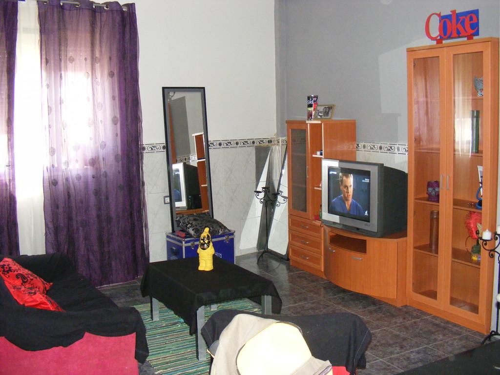 Piso compartido tres dormitorios cerca universidad pablo - Habitaciones para tres ...