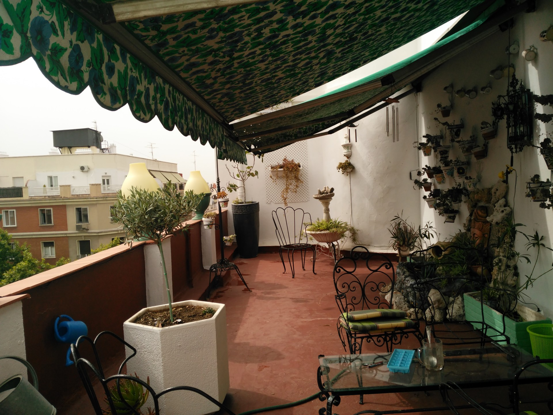 Piso con terraza en el centro alquiler habitaciones madrid for Pisos en el centro de madrid