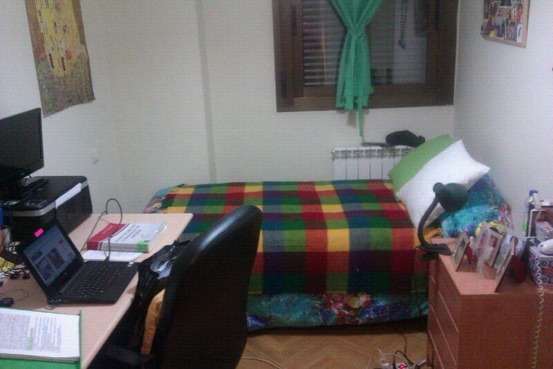 Piso en sanchinarro con piscina y trastero alquiler habitaciones madrid - Pisos con piscina en madrid ...