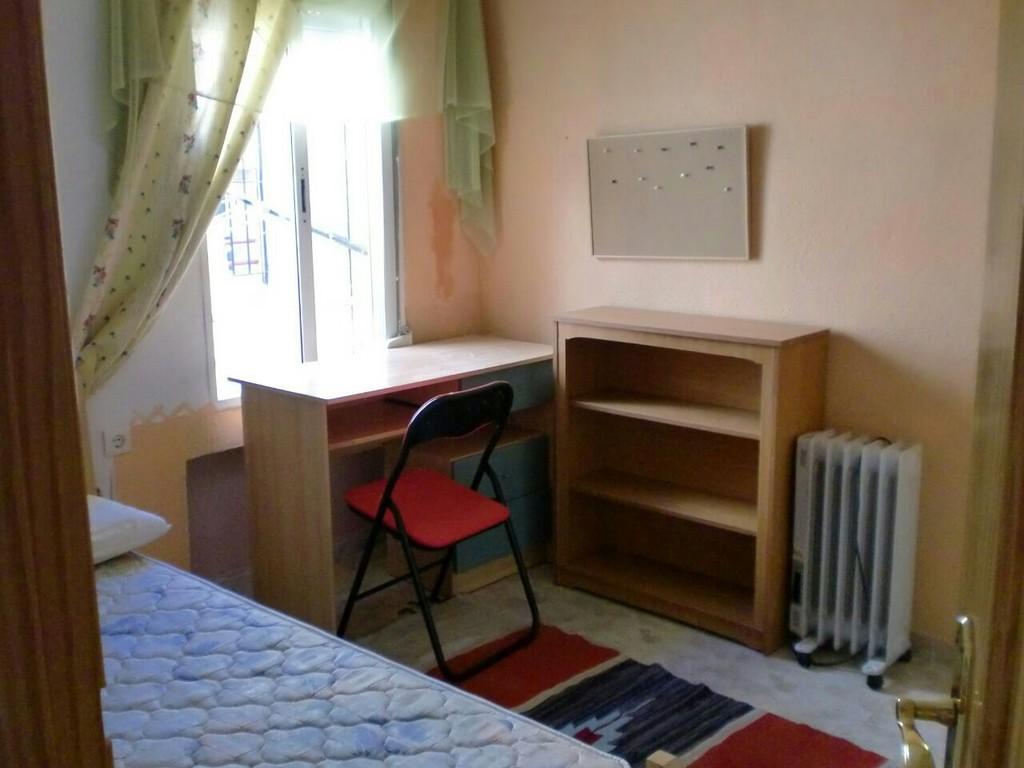 Piso Para Estudiantes En Granada Cerca De Inef Y Campus Cartuja