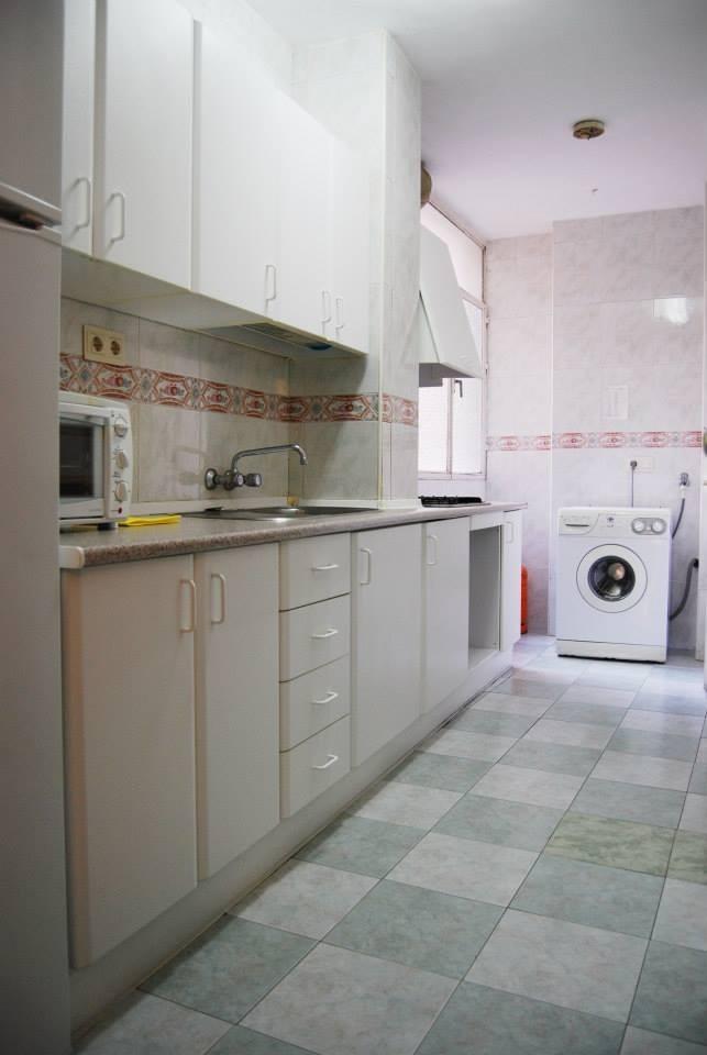 Habitaci n en piso exterior en una zona tranquila y cerca for Pisos xativa 9 d octubre xativa