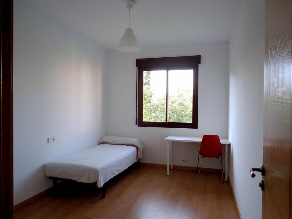 Piso nueva construccion de 3 dormitorios y 2 ba os amueblado a estrenar alquiler pisos granada - Pisos nueva construccion getafe ...