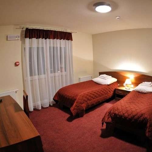 pokoje-hotelu-pod-borem-miejscowos-rudna