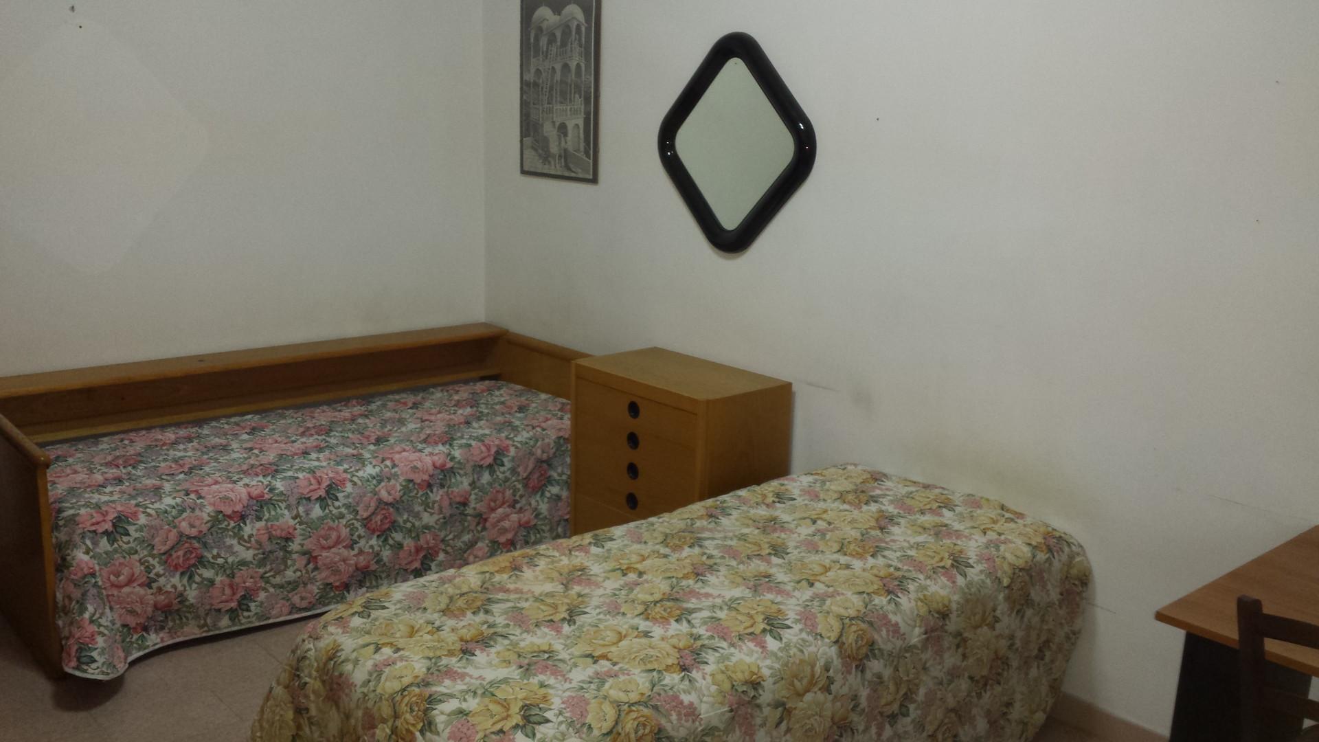 Camera singola stanza in affitto cagliari for 3 piani di camera da letto 2 bagni piani 1 storia