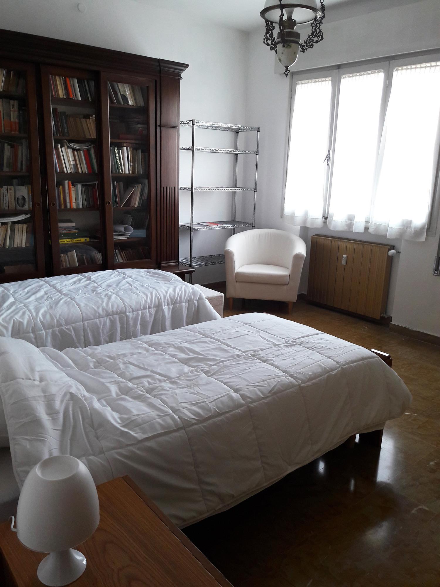 Posto letto in doppia per studentessa a venezia mestre only girls stanze in affitto venezia - Posto letto parma ...