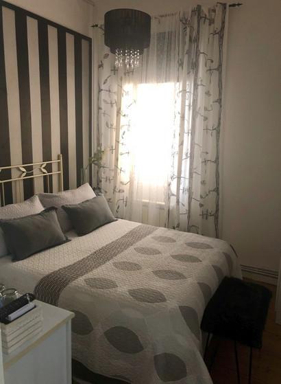 Preciosa habitación en ambiente familiar y femenin