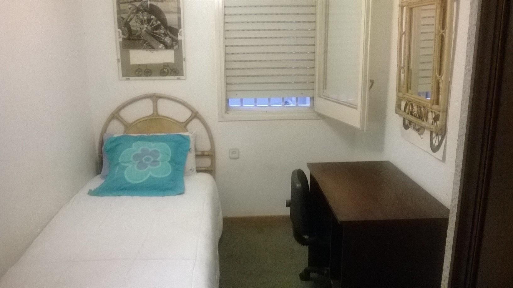 preciosa-habitacion-individual-example-e