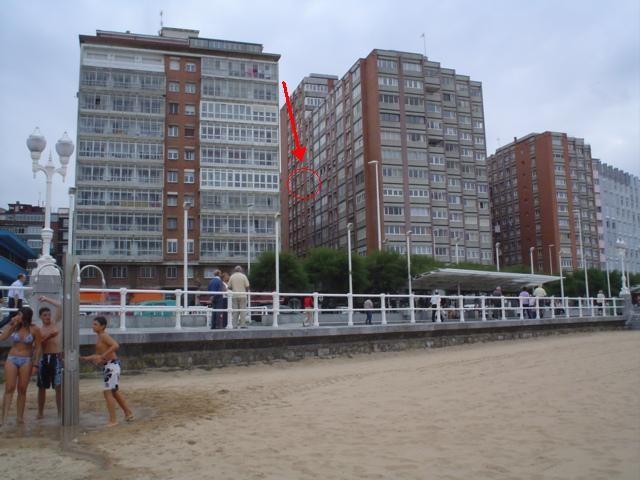 Precioso piso amueblado amplio y soleado con vistas playa for Pisos compartidos gijon