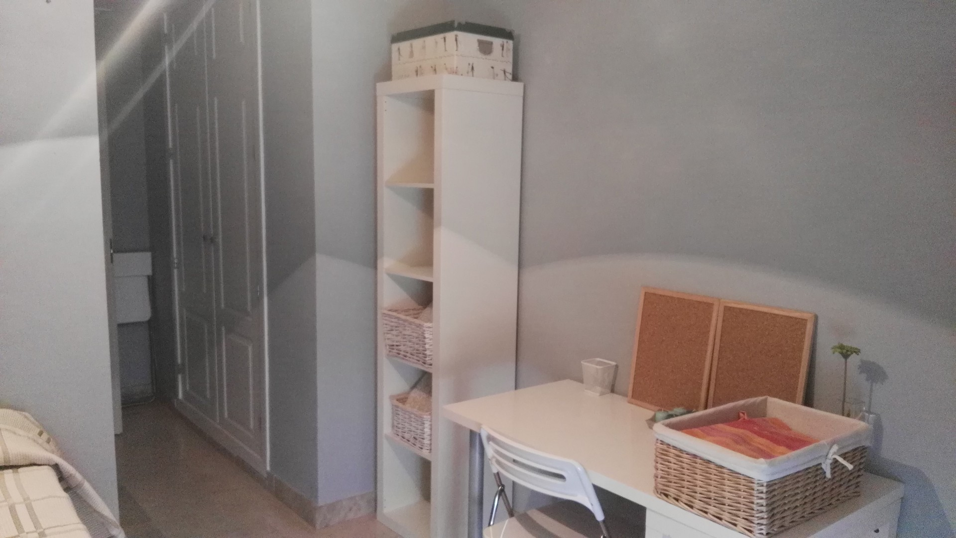 Habitaci n en precioso piso en triana alquiler for Piso 1 habitacion sevilla