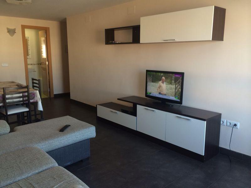 Precioso piso exterior muy luminoso y bien comunicado for Piso 4 habitaciones valencia