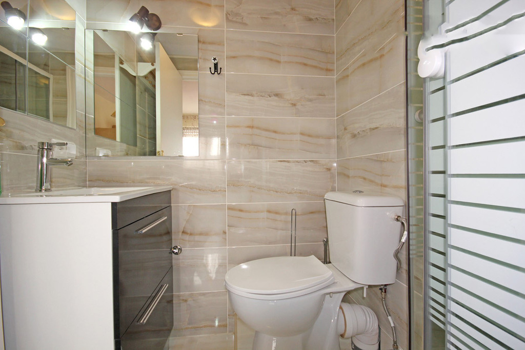 Private bedroom with Ensuite Bathroom ALL BILLS INCLUDED | Room for ...