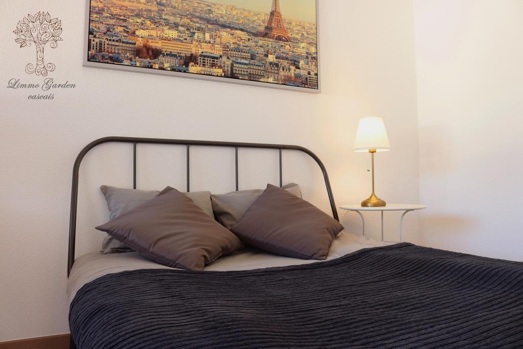 Private bedroom in a Villa in Cascais (Birre)