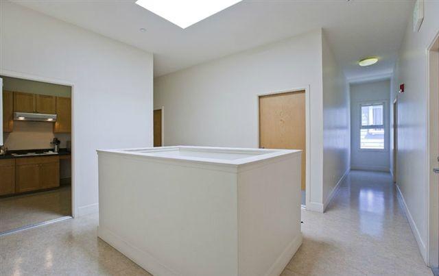 private-renovated-rooms-small-student-residence-prime-location-heart-north-beach-e969933e9907e2afb4825c19a8a4a9a7
