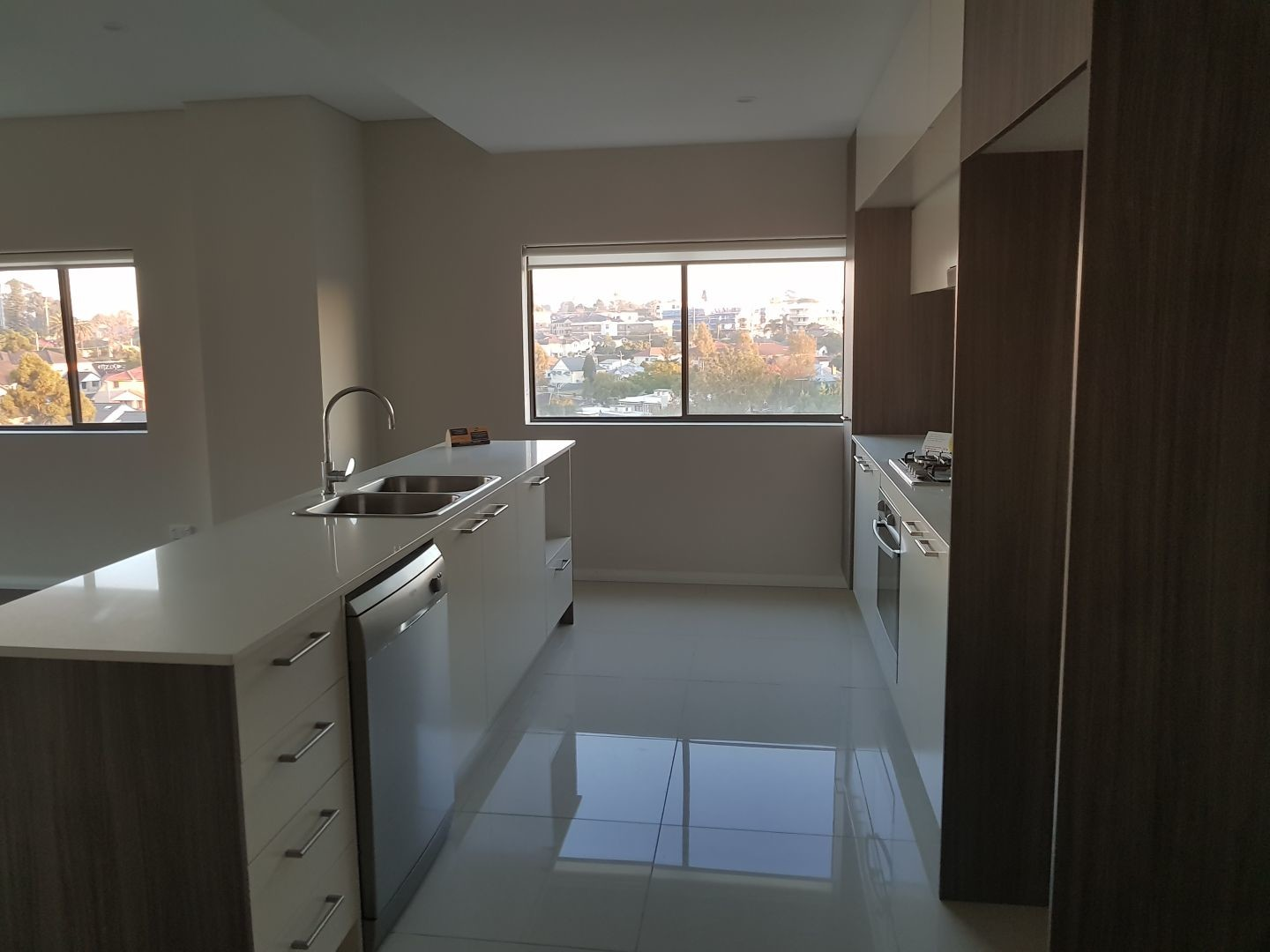 Private ROOM FOR RENT IN (2 BEDROOM, 2 BATHROOMS, BALCONY, LOUNGE ...