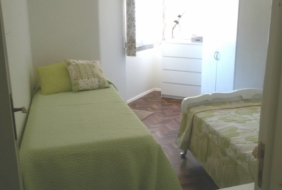 Private Single Room In Cascais Dowtown Only Women Room For Rent Cascais