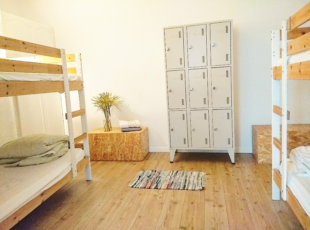 quad-room-dorm-8-persons-fff2d053e2ed4ea