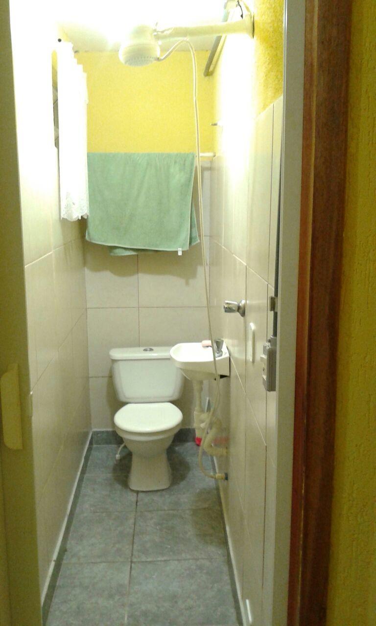 Quarto com banheiro privativo