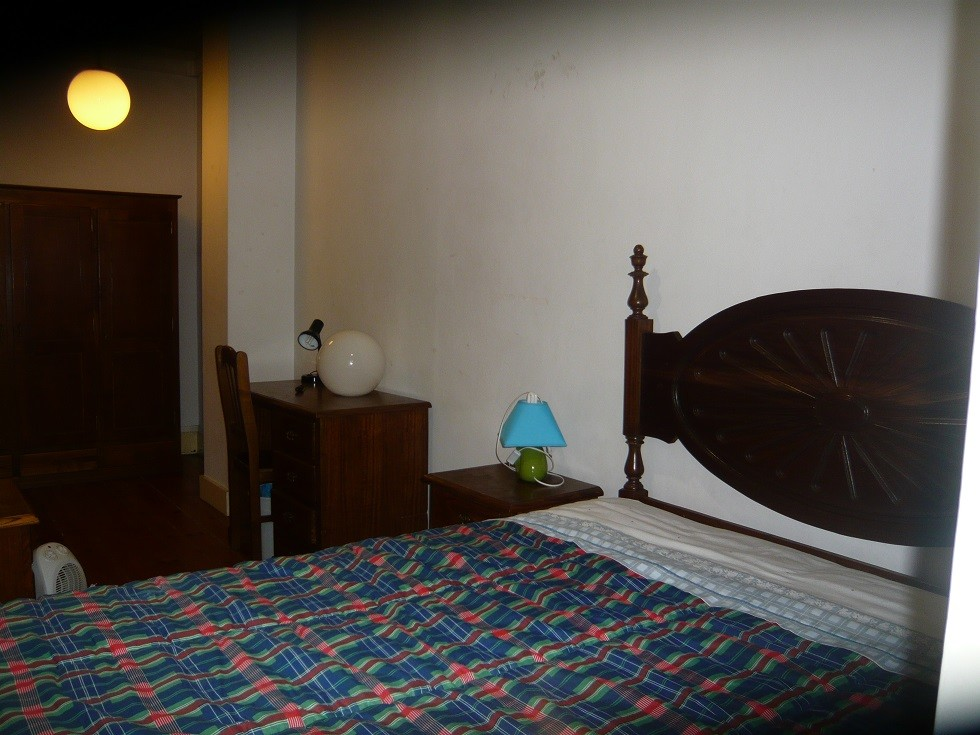 Quarto De Casal ~ Quarto com cama de casal Aluguer quartos Coimbra